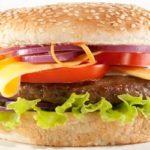 Quanto mais fast-food em uma região, maior é o número de infartos