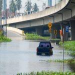 Água de enchente aumenta risco de várias doenças. Como se proteger?