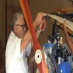 Engenheiro aposentado constrói aeronave artesanal na garagem de casa em Cuba
