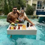 Naldo Benny e Ellen Cardoso em Paraty comemorando oito anos de casamento.